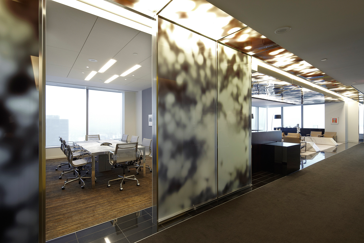 Goodmans meeting room with abstract patterned glass wall